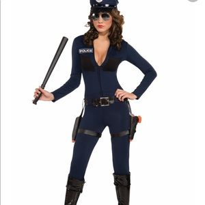 The whole police costume.Hat necklace holster